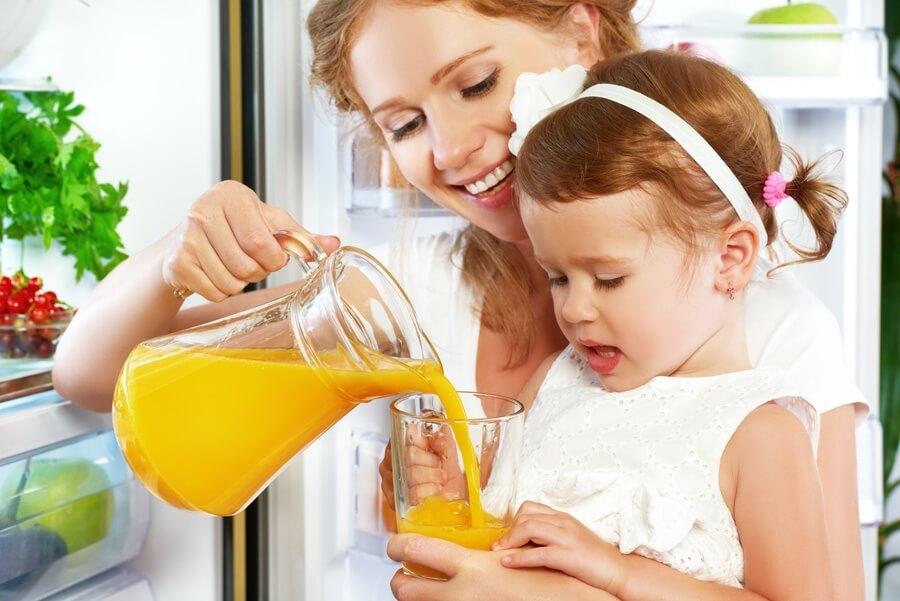 Những tác hại không tưởng khi uống nước cam buổi tối